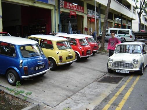 Minis David Works Garage